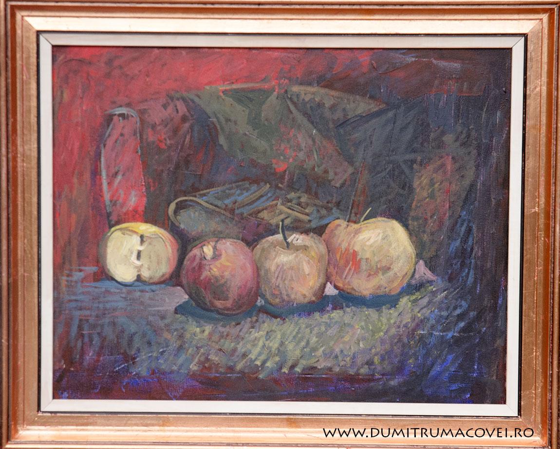Natura statica cu mere